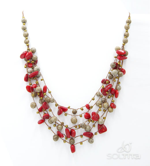 collier rouge en ivoire végétal (tagua, corozo) SOLTITA tissé au crochet